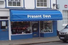 Present Days - dutch canopy